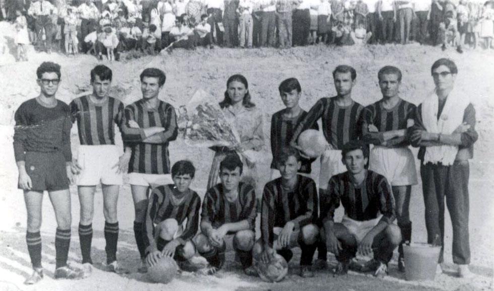 I lupi, squadra di calcio pietrapaolese. Inaugurazione campo sportivo santa maria. Madrina Sig. Urso Franca